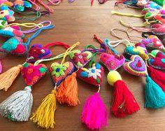 Set of 6 - Felted embroidered hearts tassel SMALL charms / bohemian folk tassel wedding favors / set corazones bordados con borla