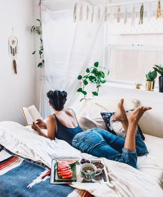 Dorm room, my room, bedroom photography, lifestyle photography, photography Bedroom Photography, Indoor Photography, Lifestyle Photography, Photography Poses, Children Photography, Story Instagram, In Vino Veritas, Home Photo, Naples
