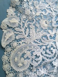 Gorgeous Portugese Lace Antique Lace, Vintage Lace, Irish Crochet, Crochet Lace, Lace Tattoo, Linens And Lace, Heirloom Sewing, Lace Ribbon, Lace Embroidery