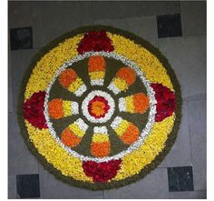 Simple Rangoli Designs Images, Rangoli Designs Diwali, Diwali Rangoli, Diwali Decorations At Home, Flower Decorations, Rangoli Photos, Flower Rangoli, Floating Flowers, Happy Diwali