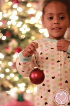 Christmas Tree Bokeh: Tips for Pretty Blurred Background. Gotta do this for December Daily this year!