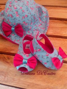 1 million+ Stunning Free Images to Use Anywhere Little Girl Shoes, Baby Girl Shoes, Baby Girl Dresses, Baby Shoes Pattern, Baby Dress Patterns, Baby Sandals, Baby Booties, Baby Girl Fashion, Kids Fashion