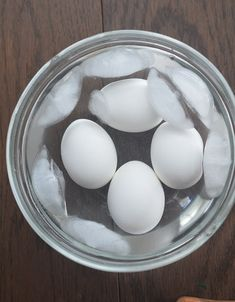 Learn how to make perfect easy-peel hard-boiled eggs made in the air fryer that can be used for egg salad sandwiches, deviled eggs, and more! Hard Boiled Egg Recipes, Making Hard Boiled Eggs, Air Fryer Xl Recipes, Malt O Meal, Small Air Fryer, Cooks Air Fryer, Scotch Eggs, Best Air Fryers, Air Frying
