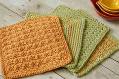 Three Color Simple Stitch Crochet Dishcloth Pattern - Petals to Picots Stitch Crochet, Basic Crochet Stitches, Crochet Basics, Bead Crochet, Crochet Crafts, Crochet Projects, Free Crochet, Crochet Patterns, Easy Patterns