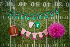 Touchdown or Tutus Gender Reveal Party Ideas Gender Reveal Banner, Gender Reveal Cupcakes, Gender Reveal Party Games, Pregnancy Gender Reveal, Gender Reveal Party Invitations, Gender Reveal Balloons, Gender Reveal Party Decorations, Reveal Parties, Gender Reveal Football