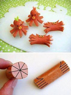 Interesting and creative food art. Hotdog octopus and crabs. Kawaii Bento, Cute Bento, Bento Kids, Bento Box Lunch, Octopus Hotdogs, Hot Dog Octopus, Cute Food, Good Food, Cuisine Diverse