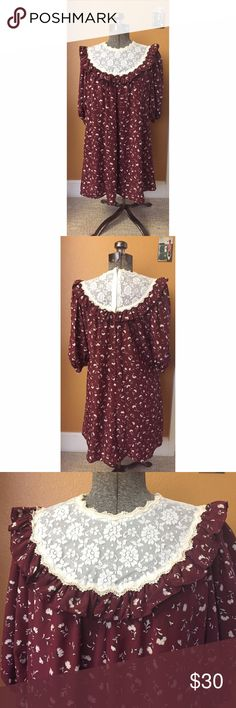 """Vintage Floral & Lace Peasant Dress Sz XS/S EUC vintage peasant floral dress with 3/4 sleeves, hidden pocket, lace detail at neck and chest, zip up back. Beautiful fall colors. Tag reads Naturally Petite Honolulu Hawaii. Fits an XS/S. Measurements (lying flat): bust 19"""" and length 32.5"""" Free People Dresses"""