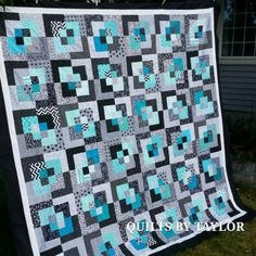 Another spin off, bright and fresh! Machine Quilting Tutorial, Quilting Tutorials, Quilting Projects, Quilting 101, Jellyroll Quilts, Scrappy Quilts, Quilt Block Patterns, Quilt Blocks, Teal Quilt