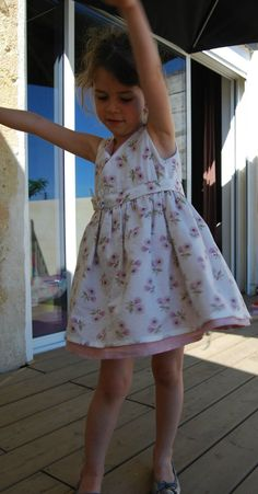 Robe de Petite Fille Modèle : patron + tuto - 1,2 et 3 soleils