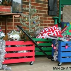 Decor Hacks : How to Make Wagons Out of Crates – Easy DIY project that kids will love to play with! Also works great to hold gifts during the holidays – doubles as holiday decor! Pallet Projects Christmas, Pallet Projects Diy Garden, Christmas Diy, Diy Pallet, Rustic Christmas, Garden Ideas, Wooden Crates Projects, Wooden Crafts, Easy Crafts To Sell