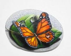 Stone painting monarch butterfly on green leaf with waterdrops! Original acrylic painting on natural sea stone, finished with satin varnish. Stone Painting Monarch Butterfly On A Green Leaf by R Pebble Painting, Tole Painting, Pebble Art, Butterfly Painting, Monarch Butterfly, Orange Butterfly, Stone Crafts, Rock Crafts, Rock Painting Designs
