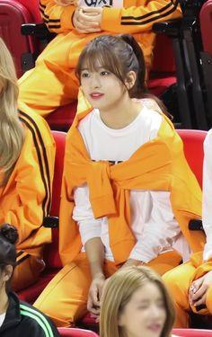 Kpop Girl Groups, Kpop Girls, Kim Kai, Yu Jin, Japanese Girl Group, Starship Entertainment, Swag Outfits, The Wiz, Girl Crushes