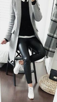 Skinny Jeans Plus Size . Skinny Jeans Plus Size Casual Work Outfits, Mode Outfits, Work Casual, Casual Looks, Fall Outfits, Fashion Outfits, Womens Fashion, Fashion Tips, White Blazer Outfits