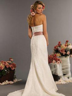 Vestidos de Boda Bordados - Para Más Información Ingresa en: http://imagenesdevestidosdenovia.com/vestidos-de-boda-bordados/