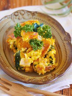 冬も野菜をたくさん食べたいけれど、生野菜のサラダは体を冷やしてしまいそうですよね。そこで今回は、冬にぴったりな「ホットサラダ」のレシピをご紹介します。