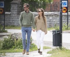 Pippa Middleton and husband James Matthews were spotted walking hand-in-hand in the street...