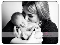 Families. New mum and daughter. Rhian Pieniazek Photography.