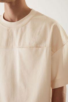 Japanese Streetwear, Gentleman Style, Minimal Fashion, Apparel Design, Cute Shirts, Fashion Details, Shirt Style, Vintage Outfits, Menswear