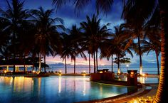 What to Know About Phuket Phuket is Thailand's largest island, with an area of 570 square kilometers. It is also Thailand's only island, a stand-alone province. Phuket is one of the mos… Phuket Resorts, Luxury Beach Resorts, Best Resorts, Beach Hotels, Hotels And Resorts, Phuket Thailand, Thailand Travel, Hotel Thailand, Thailand Wedding