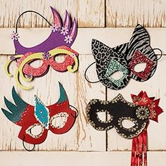 I wanna figure out how to make Mardi GRAS masks with some of my fabrics.
