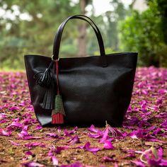 Bolsa Esmeralda Preta, Dervish Bags. Conheça: www.dervishbags.com.br