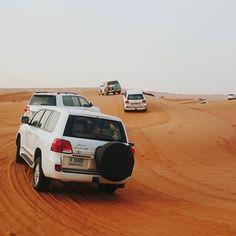 Bij een reis naar Dubai hoort natuurlijk ook een bezoekje aan de rode woestijn :)
