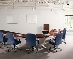Oficinas con energía solar, una opción muy rentable Conference Room, Blog, Furniture, Home Decor, Solar Power, Offices, Homemade Home Decor, Meeting Rooms, Blogging