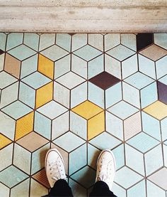 Tumbling Blocks flooring. How cool is this?