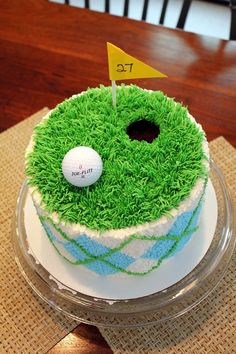Golf-themed cake perfect for every golfer's party! For more awesome golf ideas, click https://www.pinterest.com/lorisgolfshoppe/golf-lovers-pinterest-board/?utm_content=buffer7511a&utm_medium=social&utm_source=pinterest.com&utm_campaign=buffer
