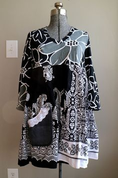 RESERVED FOR CUSTOMER....PLEASE DO NOT PURCHASE. Thank you for looking! Plus Size Clothing, Boho Gypsy Black and White Tunic, XLarge 1X Plus Size Upcycled Clothing, Plus Size Cotton Tunic, Loose Fit Clothing Sized XLarge - 1X......Please see below for garment measurements. This is a super comfortable loose fit, cotton tunic dress....designed in a flattering baby doll style! This is a unique one-of-a-kind, art to wear garment. A composition in black and white, with a touch of grey......