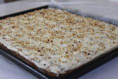 Tarun Taikakakut: Mehevä porkkanapiirakka (pellillinen) No Bake Cake, Carrots, Food And Drink, Bread, Chocolate, Baking, Sweet, Desserts, Recipes