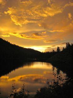 Good Night   Mountain Lake In Wyoming   Photo By Kory Ingersoll
