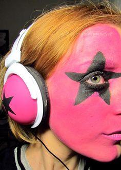 "Extreme Make-upaciugo ""Hella Good"""