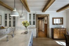 Country Kitchen Ceiling Beams - Design photos, ideas and inspiration. Amazing gallery of interior design and decorating ideas of Country Kitchen Ceiling Beams in home exteriors, living rooms, kitchens by elite interior designers. Style At Home, Home Interior, Interior Design, Brown Interior, Kitchen Redo, Kitchen Island, Kitchen Cabinets, Gray Cabinets, Wall Cabinets