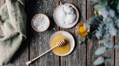 This Homemade Body Scrub is made of just three ingredients: honey, coconut oil , and salt. It's super simple, but still so efficient. Your skin will be so soft! Homemade Body Butter, Face Scrub Homemade, Cellulite Scrub, Diy Body Scrub, Sugar Scrub Recipe, Homemade Black, Skin Firming, Jessie, Shea Butter