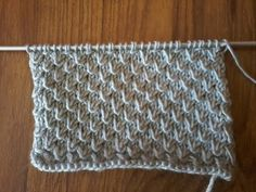 tuto point de tricot / tricoter le point graine d'orme / - YouTube Diy Crochet, Crochet Top, Stitch Patterns, Crochet Patterns, Knitting Stiches, Textiles, Blog, Gifts, Diners