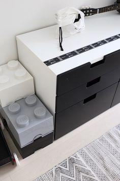 Homevialaura, Kuistin kautta, lastenhuone, pojan huone, sisustus, Lego, säilytyslaatikko