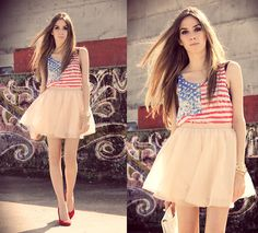 Stars and stripes (by Flávia Desgranges van der Linden) http://lookbook.nu/look/3827985-stars-and-stripes