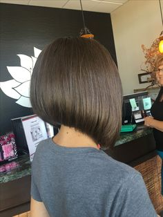 78 Bob and Lob Hairstyles That Will Make You Want Short Hair - Hairstyles Trends Very Short Hair, Short Hair With Bangs, Short Hair Cuts, Short Hair Styles, Angled Bob Hairstyles, Haircuts For Fine Hair, Short Hairstyles For Women, Hairstyles Haircuts, Lob Hairstyle