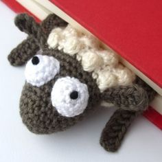 Amigurumi Sheep Bookmark crochet pattern by Supergurumi