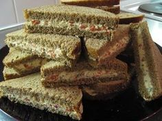 Tiramisu, Sandwiches, Food And Drink, Bread, Snacks, Cooking, Ethnic Recipes, Desserts, Kitchen