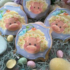 Easter cookies sweet piglets in Easter bonnets Farm Cookies, Iced Cookies, Cute Cookies, Easter Cookies, Cupcake Cookies, Cupcakes, Holiday Cookies, Sugar Cookies, Cookie Pops