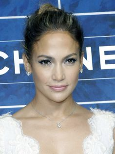 Jennifer Lopez at Chanel S/S '13: http://beautyeditor.ca/2012/10/05/paris-ss-13-the-top-5-hair-and-makeup-looks-from-the-celebs-sitting-in-the-front-row/