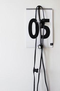 Via Ma Maison Blanche | Minimal Calendar | String Lights