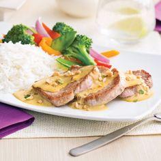 Médaillons de porc façon satay - Soupers de semaine - Recettes 5-15 - Recettes express 5/15 - Pratico Pratique Fast Metabolism Diet, Metabolic Diet, Filets, Menu, Chicken, Cheddar, Food, Pork Medallions, Suppers