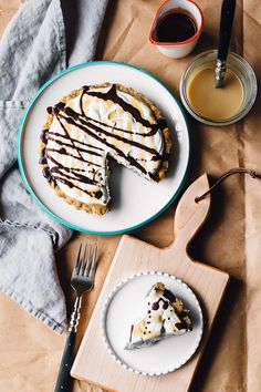 Banana Cream Pie w/ Chocolate + Salted Vanilla Caramel | Faring Well | #vegan #glutenfree #recipe