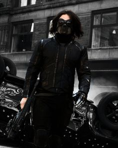 WInter Soldier. << WAIT. AM I MISSING SOMETHING? THIS DOESN'T LOOK LIKE HIS OUTFIT IN WS.