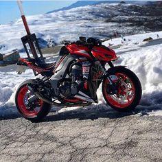 Kawasaki Motorbikes, Kawasaki Motorcycles, Cars And Motorcycles, Moto Bike, Motorcycle Helmets, Custom Sport Bikes, Supercars, Futuristic Motorcycle, Motorcycle Types