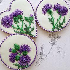 "Páči sa mi to: 385, komentáre: 53 – Eleonora (@art_biscotti) na Instagrame: ""#royalicing #royalicingcookies #tortedecorate #plätzchen #sugarart #sugarcookies #decoratedcookies…"""