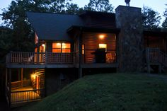 Glass front prowl log cabin home, fireplaces, wi fi, pool table, nice decor, out door fireplace, tranquil setting near Blue Ridge GA @ www.mtngetawaycabins.com